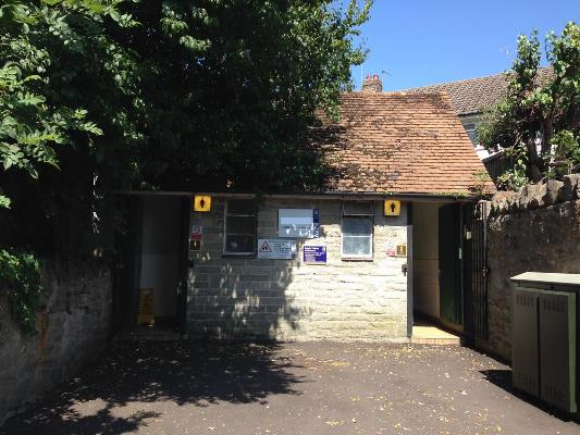 Can all members of the public use the Public Conveniences?